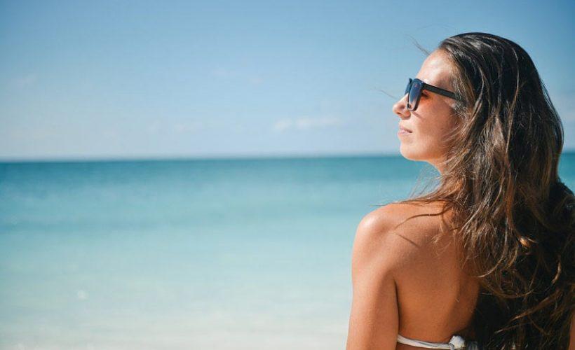 Cet été : la toxine botulique pour éviter de contracter les muscles du visage